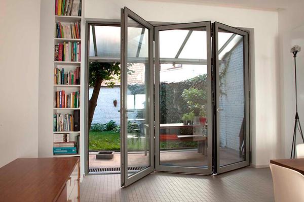 Produk Pintu Bifold Aluminium