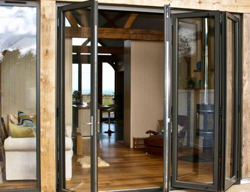 5 Alasan Mengapa Memilih Pintu Lipat Aluminium atau Pintu Bifold