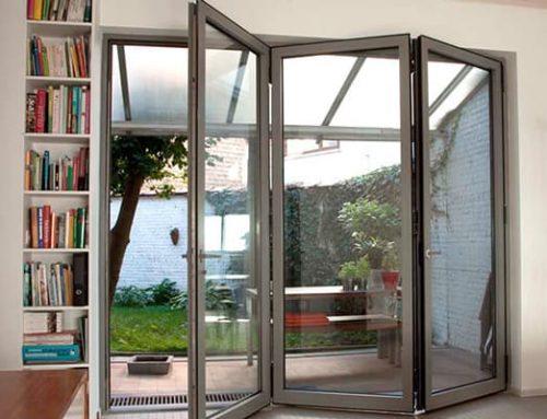 7 Alasan Mengapa Pintu Lipat Aluminium atau Pintu Bifold adalah Ide yang Bagus