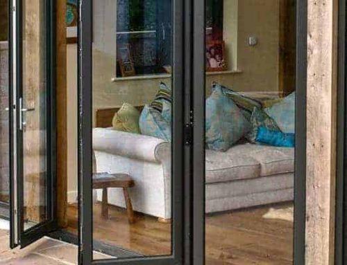 Panduan Penting Saat Membeli Pintu Lipat Aluminium atau Pintu Bifold